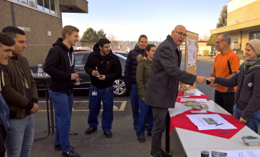Andreas Bitzer (Head of Training, KERN-LIEBERS) with KERN-LIEBERS trainees and students of the St. Franziskus Foundation collect donations